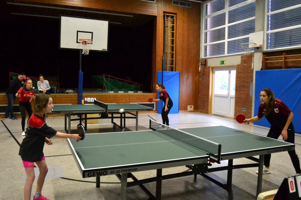 Tischtennis Mädchenspiel